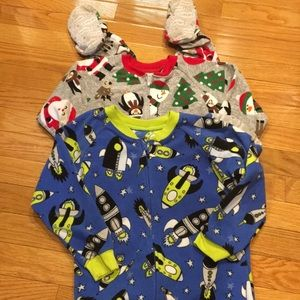 Carters 4t pajamas Christmas and glow in the dark